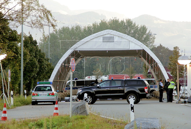 Explosive-like substances found in car at Austrian border