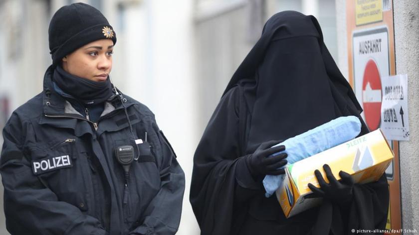 2017-02-23__baviera-banditi-niqab-e-burqa-__001
