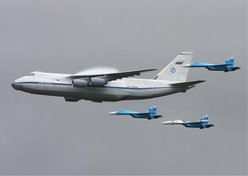 An-124__224th_Flight_Unit_Antonov_An-124_Ryabtsev
