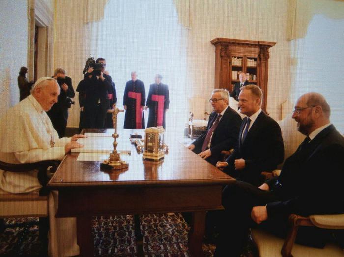 Papa: riceve leader Unione europea Schulz, Juncker, Tusk