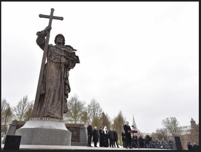 San Vladimiro. Russia. Putin inaugura. 001